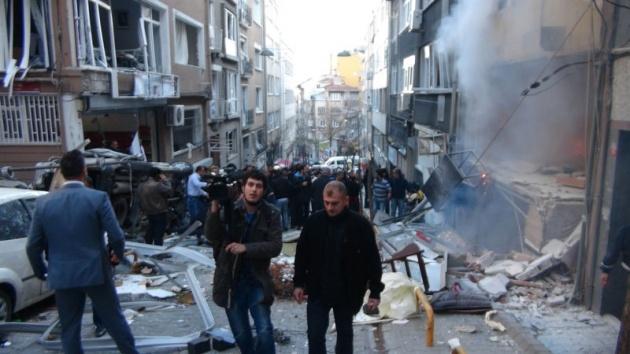 Taksim'de Doğalgaz Patlaması; Yaralılar Var galerisi resim 1