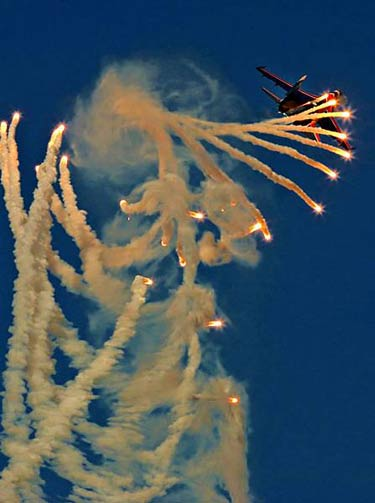 Ateş Saçan Savaş Uçakları galerisi resim 25