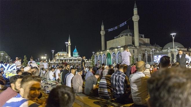 Konya'da Kadir Gecesi galerisi resim 1