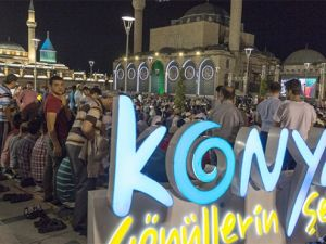 Konya'da Kadir Gecesi