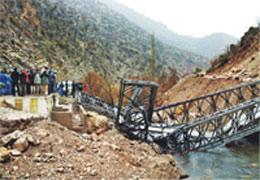 Köprüler patlatılarak yıkılacak; TEM 15 saat kapalı