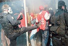 İstanbul'daki olaylarda 160 gözaltı var