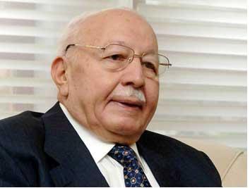Davutoğlu'ndan Erbakan Açıklaması