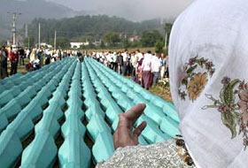 Srebrenitsa'da Üç Kuşak Aynı Mezarlıkta