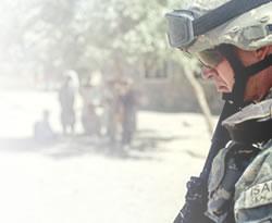 ABD, Bağdat'taki elçiliğini 100 askerle boşaltıyor