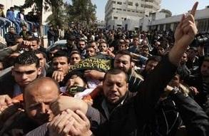 Gazzeli Kadınlar Rafah Kapısı'nın Açılması İçin Gösteri Düzenledi