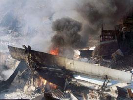 Cezayir'de Uçak Düştü: 100 Ölü