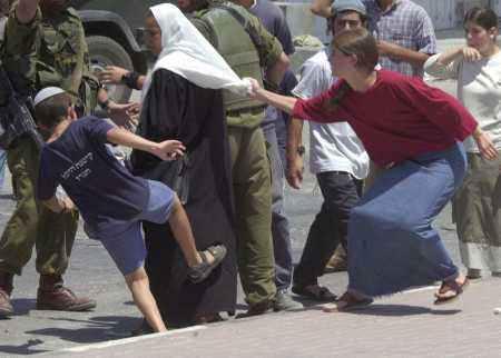 Siyonistin Derdi Barış Değil