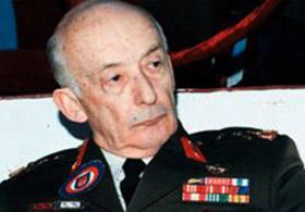 Menderes'i Tokatlayan Komutan Öldü