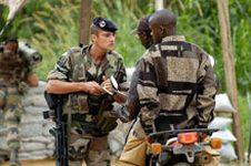 Barış için geldiler katillere yardım ediyorlar
