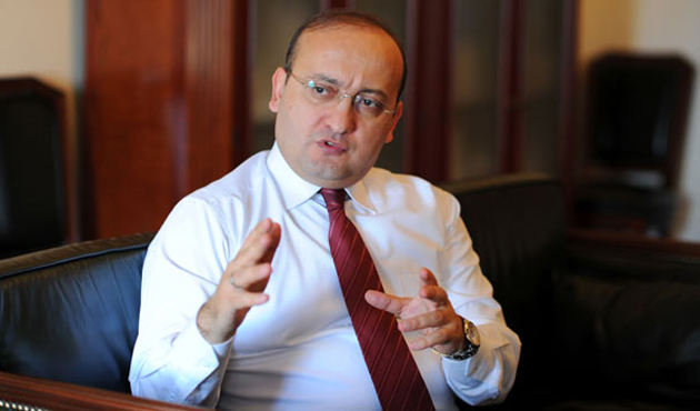 Teröre karşı dayanışma zemini için baskı yapan Türkiye'dir