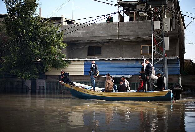 """Gazze sokaklarında """"yardım kayıkları"""""""
