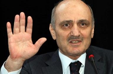 Bayraktar'ın İstifasına AKP'den Tepkiler