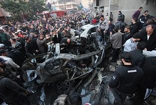 Beyrut'ta bomba yüklü bir araç saldırısı