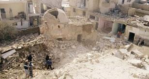 Camiye füze: 13 ölü