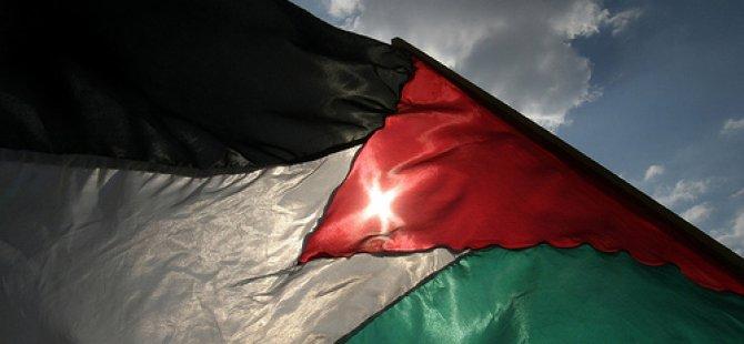 Siyonistler Yaşlı Bir Filistinli Kadını Şehid Etti