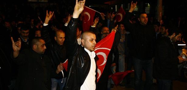"""MHP'den Başbakan'a """"Atatürk""""lü yanıt"""