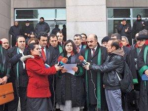Başbakan, Bakanlar  ve 8 Gazeteye Karşı Suç Duyurusu