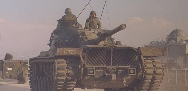 Tanklar sınıra doğru hareketlendi!