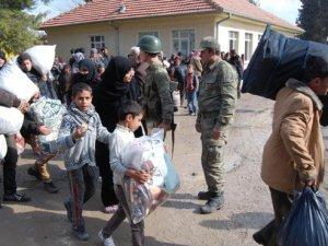 500 Türkmen Daha Türkiye'ye Girdi
