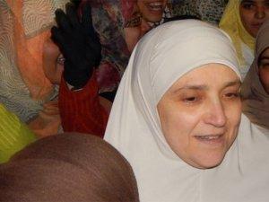 Darbe Karşıtı Gösterilere Mursi'nin Eşi de Katıldı