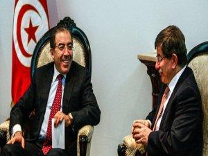 Ahmet Davytoğlu Tunus'da