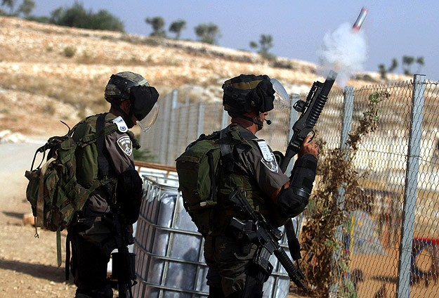 Batı Yaka ve Kudüs'te 14 Filistinli Gözaltına Alındı