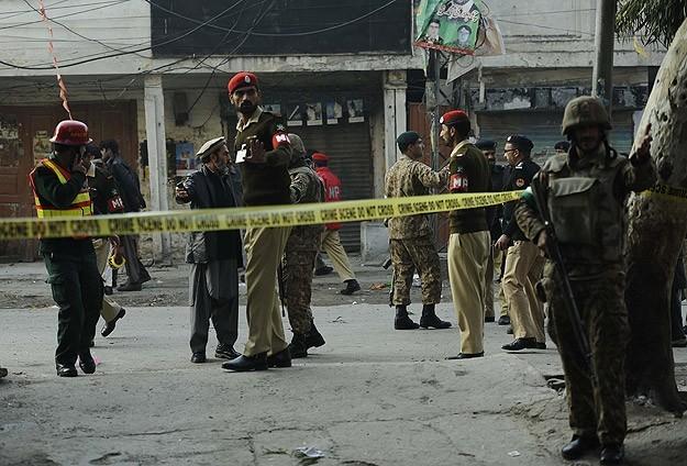 Pakistan'da hava operasyonu: 15 ölü
