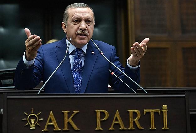 FT: 'Erdoğan yolsuzluk soruşturmasında zafer ilan etti'