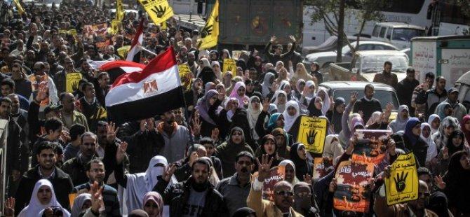 Mısır Halkı: Kurtulmak İçin Beraberce