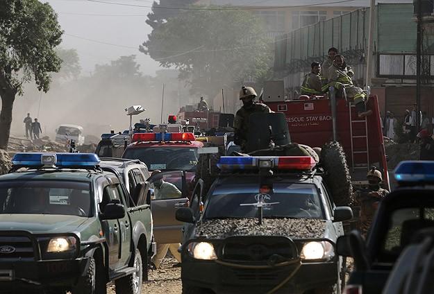 Afganistan'da askeri kontrol noktasına saldırı: 19 ölü