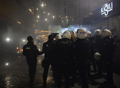Taksim'de polis müdahalesi VİDEO
