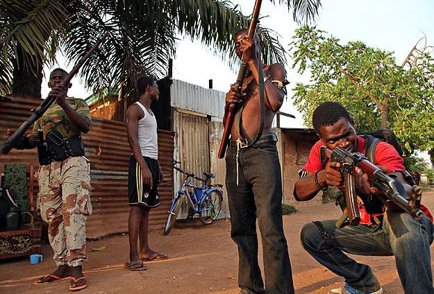 256 Müslüman silahsızlandırıldı