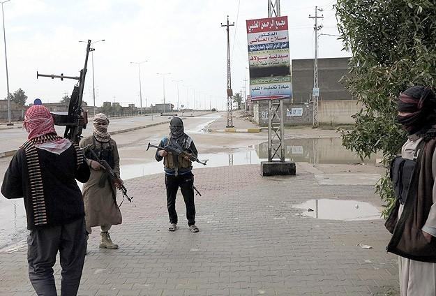 """Irak'tan """"IŞİD"""" operasyonu: 52 ölü"""
