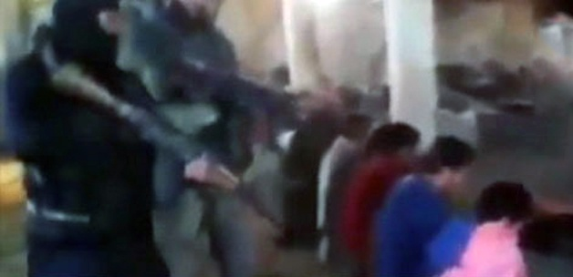 Terörist Haricilerden Suriye'de İnfaz-VİDEO
