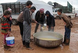 Suriye'de 400 Civarında Filistinli Kadın Mülteci Hayatını Kaybetti