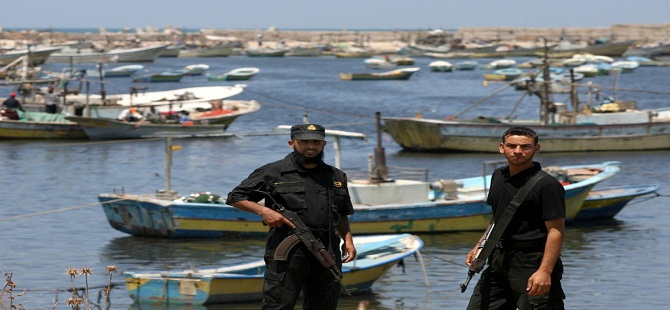 İsrail'den Gazzeli balıkçılara 3 mil kısıtlaması