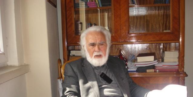 Atasoy Müftüoğlu: Eleştiri, Namuslu Bir Varoluş İçin Gerekli