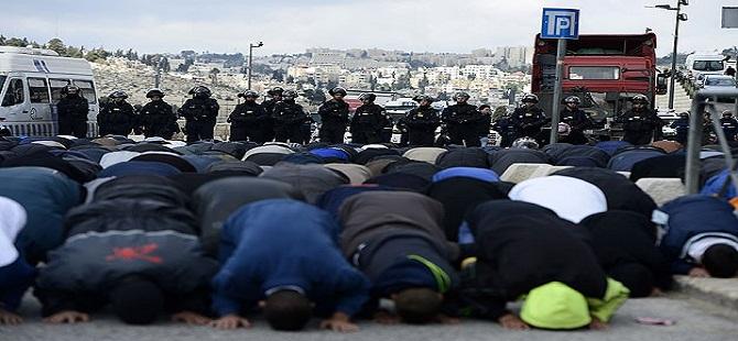 İşgalci İsrail Mescid-i Aksa'ya Girişi Engelledi