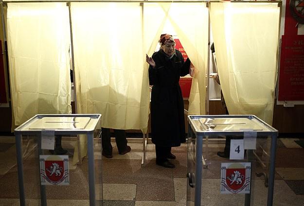 Kırım'daki Referandum Başladı