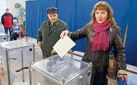 Rus Silahları Gölgesinde 'Açık' Referandum