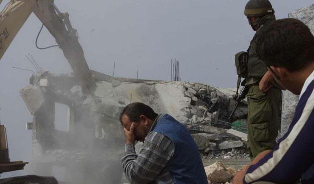 İşgal Güçleri Geçen Ayı Filistinlilere Ait 10 Evi Yıktı