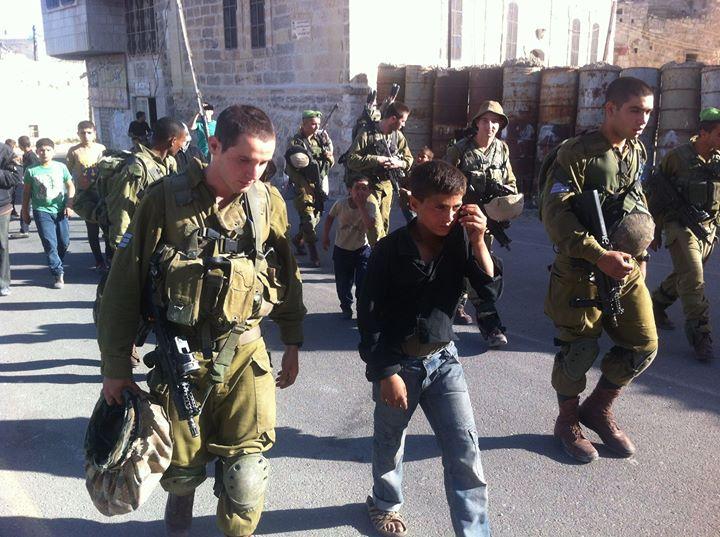 İşgal Güçleri Bu Sabah Batı Yaka ve Kudüs'te 19 Filistinliyi Gözaltına Aldı