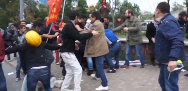 Şişli'de polisi linç ettiler-VİDEO