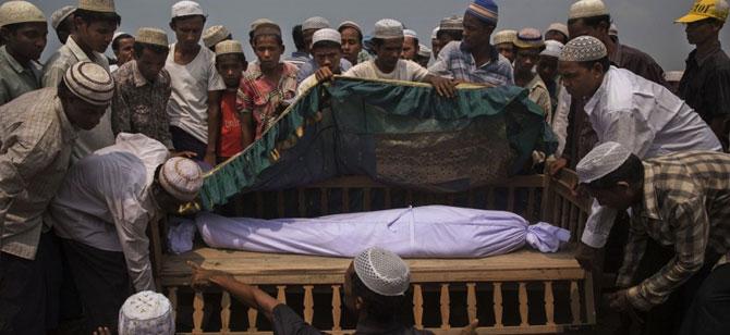 Tayland 130 bin Arakanlı Müslümanı ölüme gönderiyor