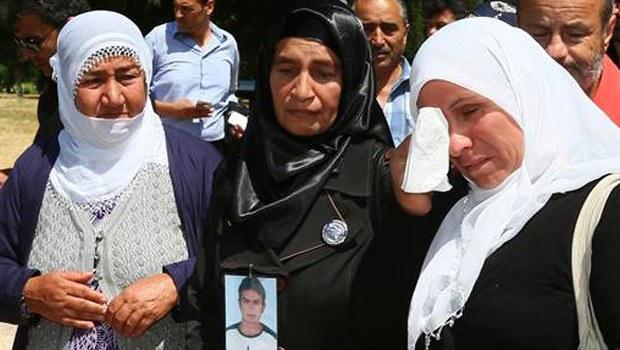 Uludereli anneler Soma'da gözyaşlarına boğuldu