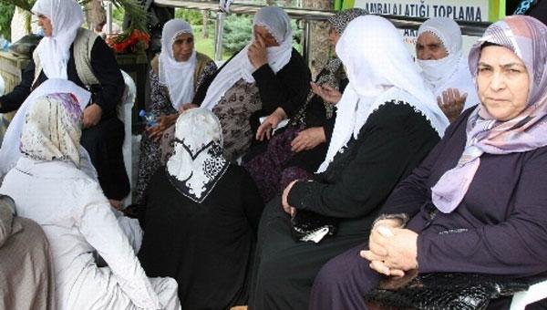 Eylemci annelere dernekler eliyle baskı