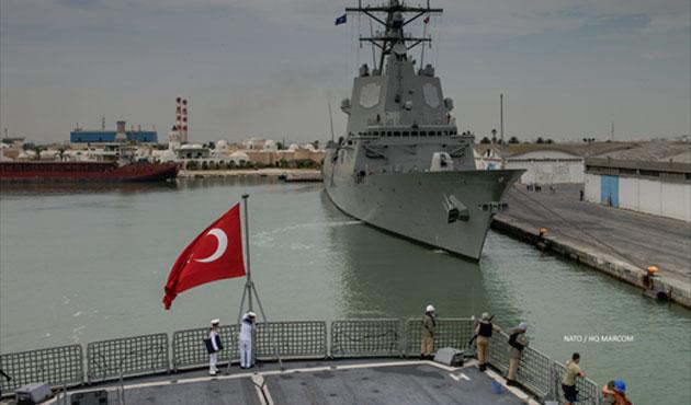 NATO savaş gemileri Tunus'ta