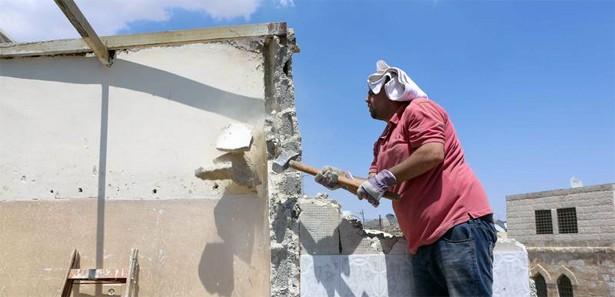 İsrail, Filistinli ailenin evini yıktı