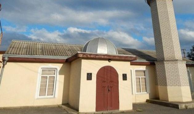 Kırım'da cami kundaklandı